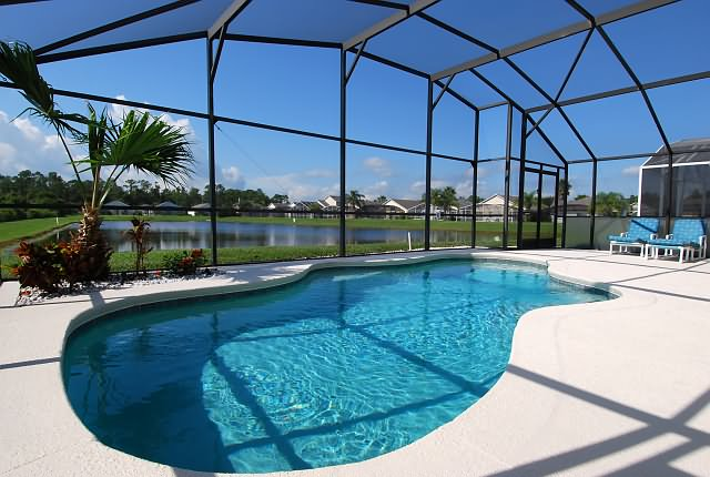 Florida Lakeside Villas Pool